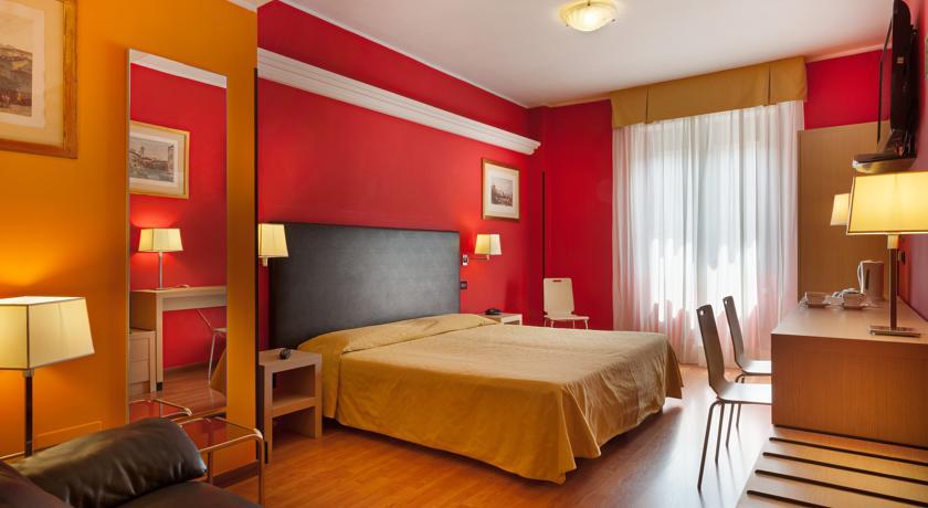 Tweepersoonskamer met double bed hotel Berlino in Milaan