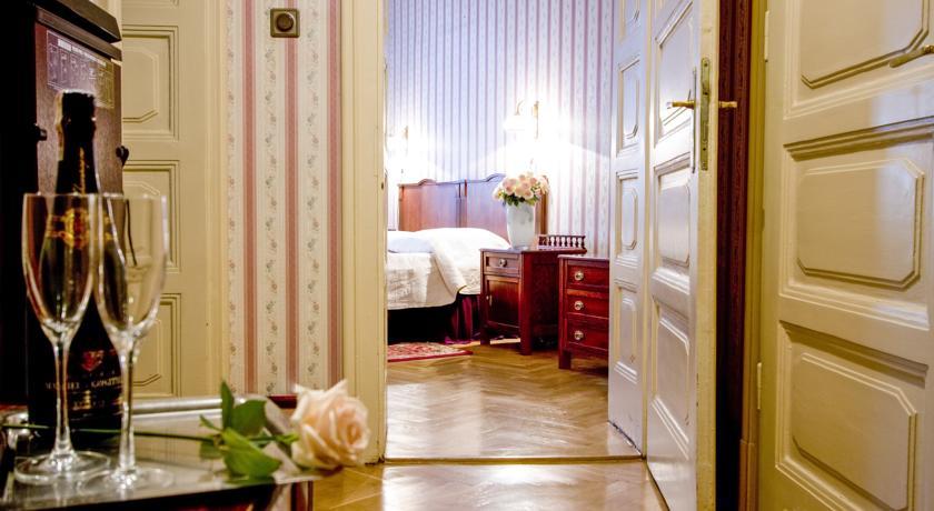 Tweepersoonskamer van hotel Francuski in Krakau