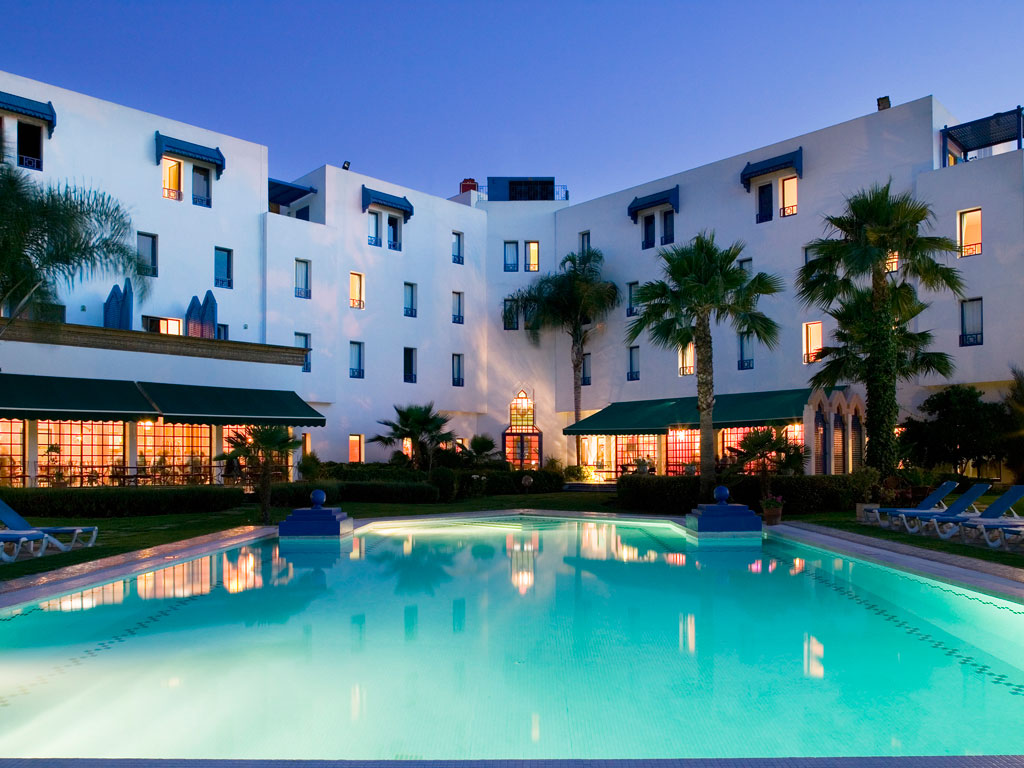 Buitenzwembad van Hotel Ibis in Fez