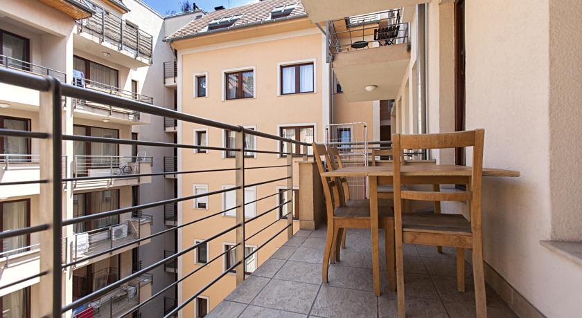 Terras van appartementen Broadway in Budapest