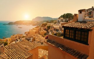 Uitzicht op Mallorca tijdens zonsondergang