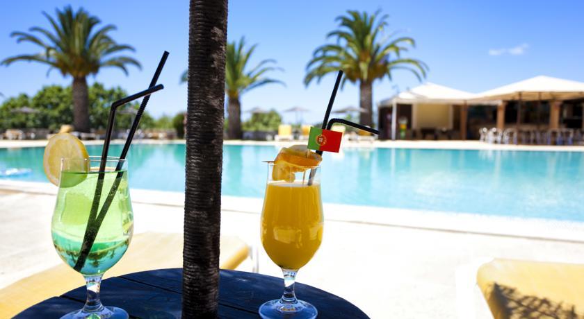 Een drankje bij Appartementen Colina Village Carvoeiro Algarve