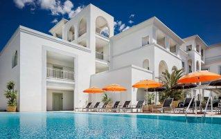 Zwembad bij Hotel Jazz op Sardinië