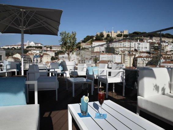 Dakterras van Hotel Mundial in Lissabon