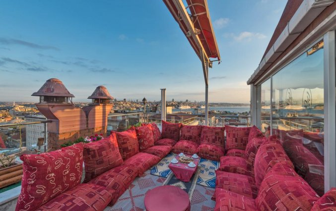 Dakterras van Hotel Golden Horn Sirkeci Istanbul