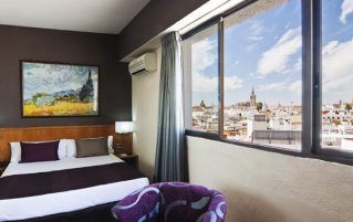 Hotel Catalonia Giralda 1