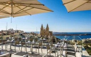 Uitzicht op Mellieha vanuit Hotel en Spa Maritim Antonine op Malta