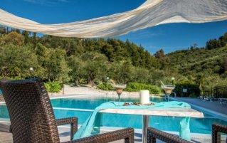 Buitenzwembad van hotel Varres op Zakyntos