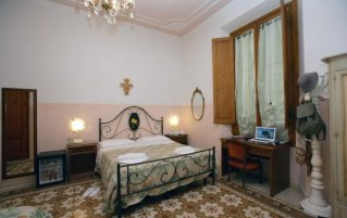 Tweepersoonskamer van Hotel Desiree in Florence