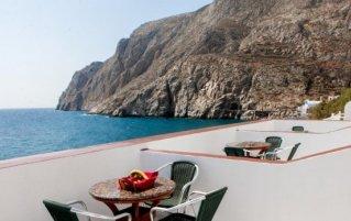 Uitzicht vanaf Hotel Irini's Rooms Fteuora op Santorini