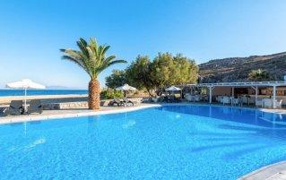 Zwembad van hotel Sunrise Beach op Mykonos