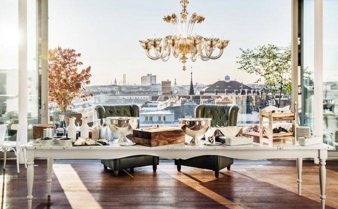 Ontbijtzaal met uitzicht van Hotel Grand Ferdinand in Wenen