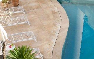 Buitenzwembad van Hotel Barcelo Fes Medina in Fez