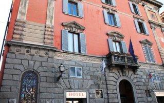 Vooraanzicht van hotel Le Due Fontane Florence