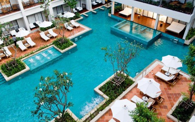 Zwembad van banthai beach resort
