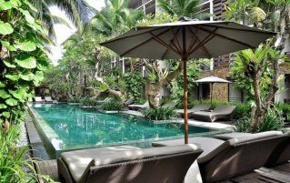 Zwembad van hotel The Haven Bali Seminyak