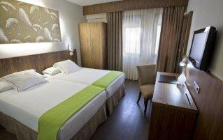 Slaapkamer van hotel Opera in Madrid