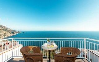 Balkon van de kamers van Hotel Margherita in Amalfi