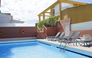 Zonneterras van Hotel Santa Ponsa Pins op Mallorca