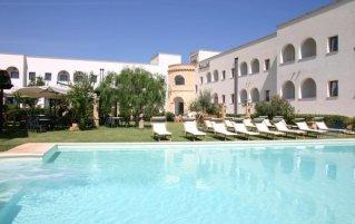 Zwembad van Hotel Montecallini in Puglia