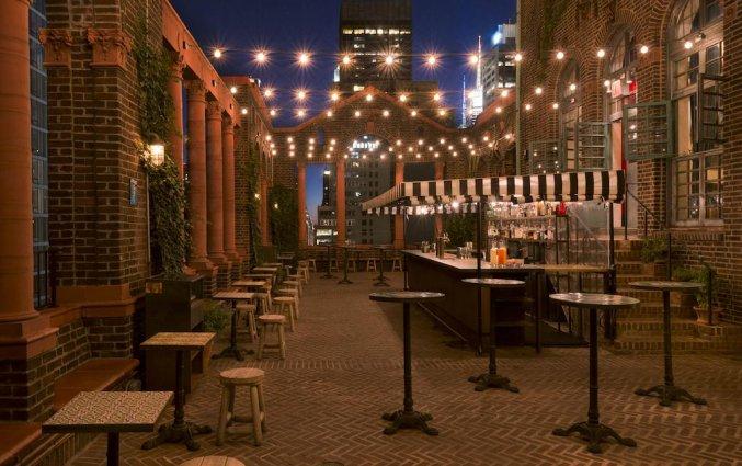 rooftop bar hotel pod new york