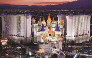 Vooraanzicht van hotel Excalibur resort and Casino