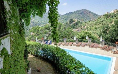 Zwembad van Borgo San Francesco in Sicilië