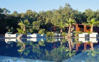 Zwembad van Vallegrande Nature Resort