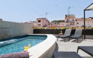 Buitenzwembad van Hotel VIla Arenys aan de Costa Brava