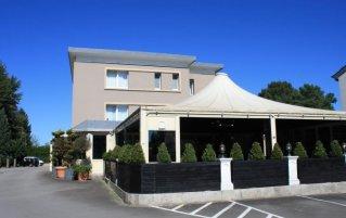 Vooraanzicht hotel Bivius eat and sleep Luxemburg