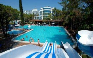 Zwembad van Hotel Maya World in Side