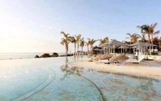Zwembad van Hotel Bless op Ibiza