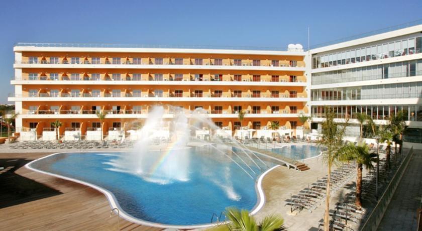 Gebouw van Hotel Balaia Atlantico in de Algarve