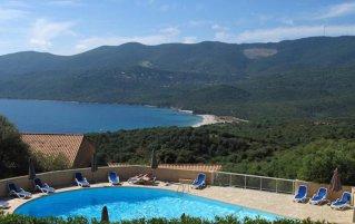 Uitzicht vanaf Hotel Residence Alba Rossa op Corsica