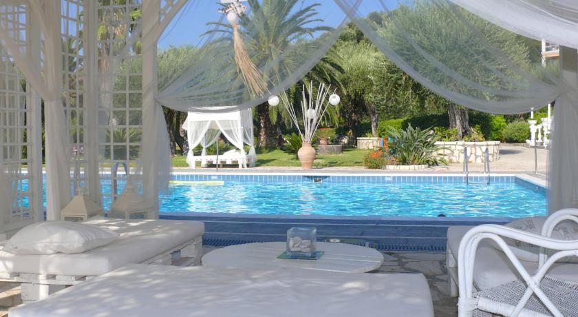 Korting Ontspannen op Corfu Hotel Kommeno