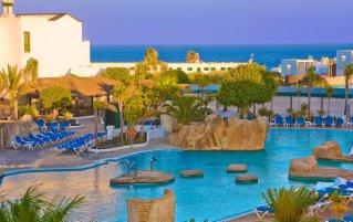 Zwembad van Hotel Blue Sea Costa Bastianop Lanzarote