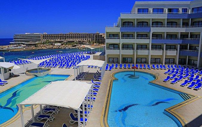 Buitenkant van Hotel Labranda Riviera Premium Resort Spa op Malta
