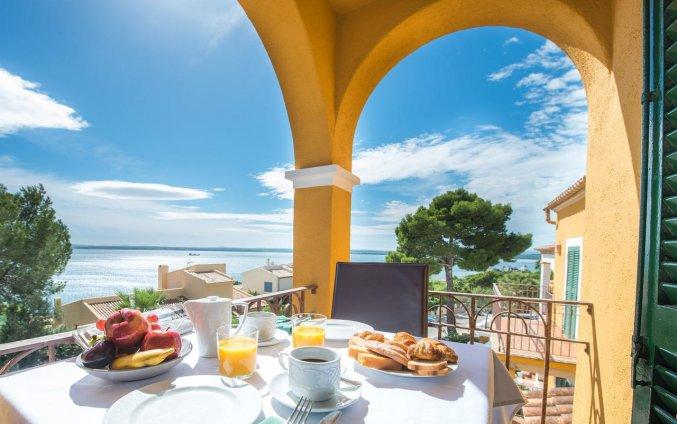 Uitzicht vanuit Aparthotel Ona Aucanada op Mallorca