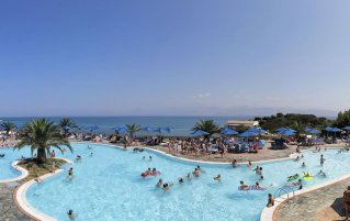 Resort Mareblue Beach 1