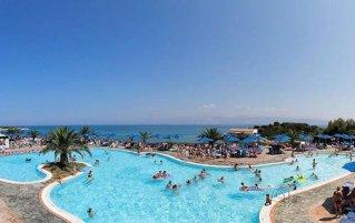 Resort Mareblue Beach 1
