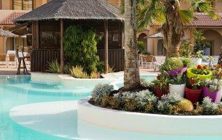Zwembad van Elba Lucia Sport & Suite Hotel op Fuerteventura