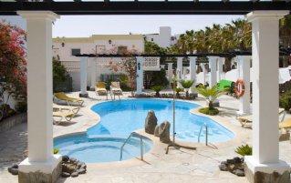 Aparthotel Esquinzo Y Monte Del Mar 1