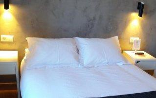 Tweepersoonskamer van Hotel Pension Don Claudio in Bilbao