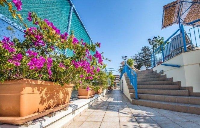 Korting Geniet van de zon op Cyprus! Larnaca
