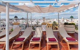 Lounge van hotel Sevilla Macarena in Sevilla