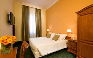 Hotel Rome Garden 1
