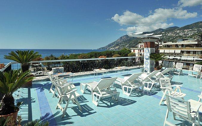 Hotel, vlucht en huurauto in Amalfi