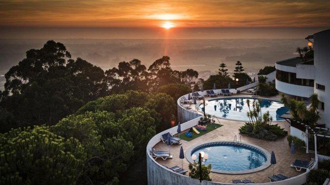 Uitzicht met zonsondergang op Hotel São Félix Hillside in Noord-Portugal