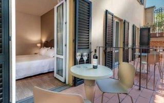 Tweepersoonskamer met balkon van Hotel La Fortezza in Florence
