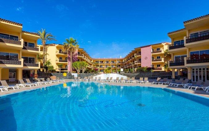 Buitenzwembad van appartementen Marino op Tenerife